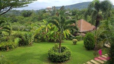 Bophut-Hills-Villa-Ko-Samui-Tropical-Garden