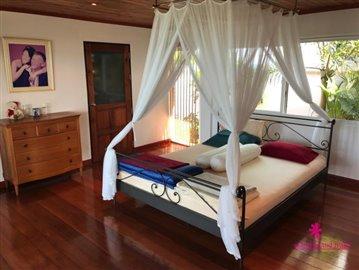 plai-laem-sunset-villa-for-sale-koh-samui-master-bedroom