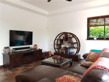 Samui-Villa-With-Beach-Access-For-Sale-Lounge
