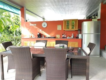 Samui-Villa-With-Beach-Access-For-Sale-Outdoor-Covered-Dining