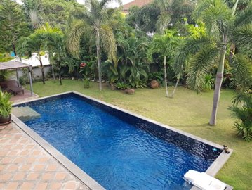 Samui-Villa-With-Beach-Access-For-Sale-Pool