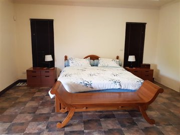Samui-Villa-With-Beach-Access-For-Sale-Bedroom-3