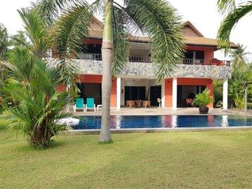 Samui-Villa-With-Beach-Access-For-Sale-new-4