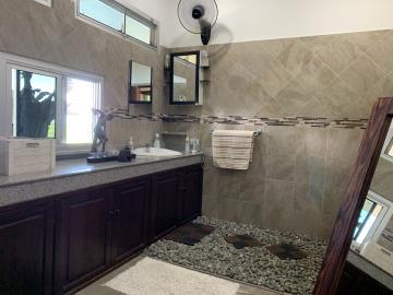 South-Coast-Sea-View-Property-Bathroom