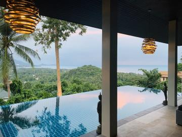South-Coast-Sea-View-Property-Pool