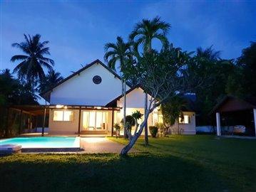 Lipa-Noi-Property-For-Sale-Ko-Samui-Night
