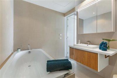 Sea-View-Unique-2-Bedroom-Apartments-Bathroom