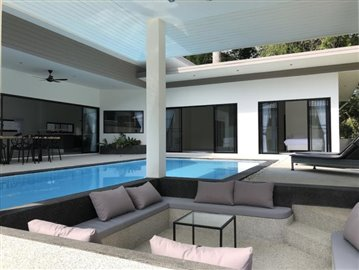 New-Pool-Villa-For-Sale-In-Lamai-Sunken-Seating
