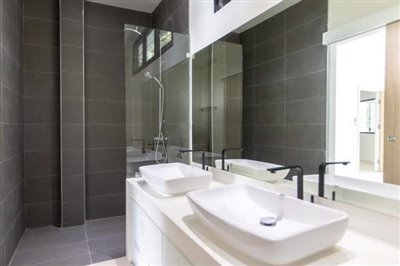 New-Pool-Villa-For-Sale-In-Lamai-Twin-Basins