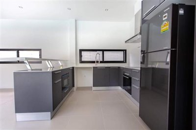 New-Pool-Villa-For-Sale-In-Lamai-Western-Kitchen
