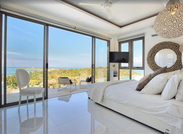 Baysides-Luxury-Duplex-Villa-Ko-Samui-Master-Bedroom