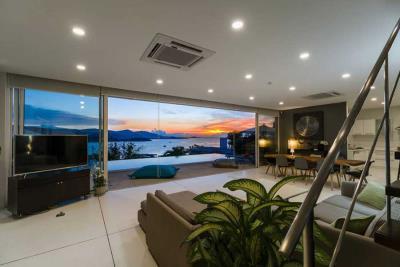 Unique-Sunset-Villa-For-Sale-Ko-Samui-Living-Night