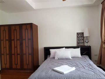 Bang-Po-Pool-Villa-For-Sale-Ko-Samui-Bedroom-2