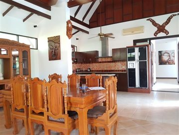 Bang-Po-Pool-Villa-For-Sale-Ko-Samui-Dining