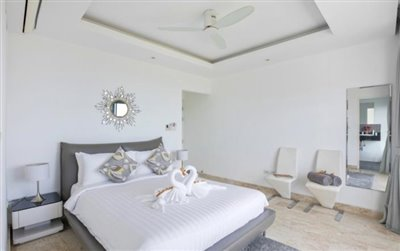Villa-Dove-For-Sale-Ko-Samui-Bedroom-2