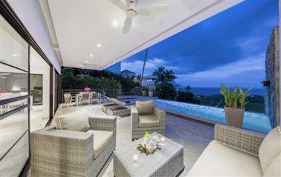 Villa-Dove-For-Sale-Ko-Samui-Pool-Night