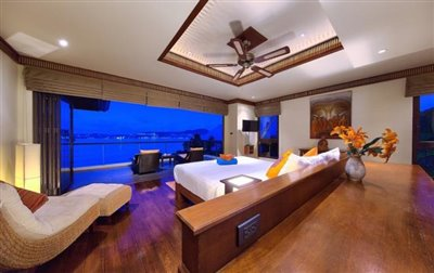 Villa-Seven-Swifts-Ko-Samui-Bedroom-Night