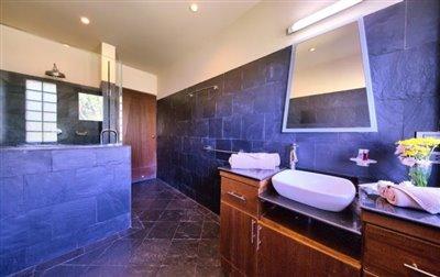Villa-Seven-Swifts-Ko-Samui-Shower