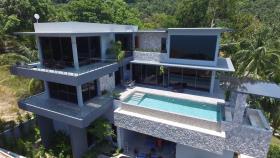Bang Por, Villa