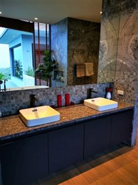 Skyline-Villa-Bang-Po-Wash-Basins