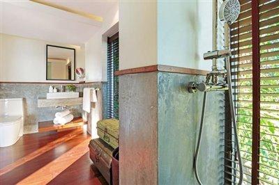 L2-Residence-Ko-Samui-Shower