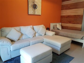 Freehold-Condo-Apartment-Chaweng-Sofa