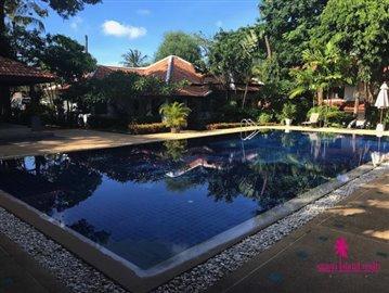 Resort-Style-Townhouse-Koh-Samui-Communal-Pool