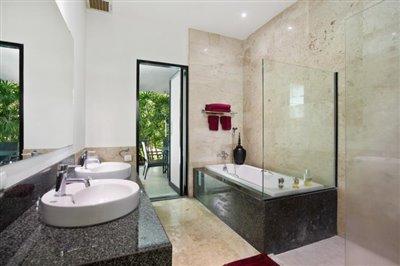 Villa-Samran-Ko-Samui-Bathtub