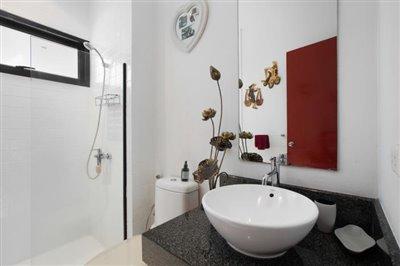 Villa-Samran-Ko-Samui-Shower