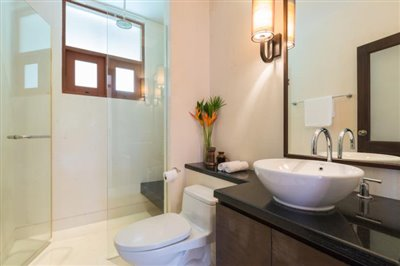Shambala-Villa-Ko-Samui-Guest-Bathroom