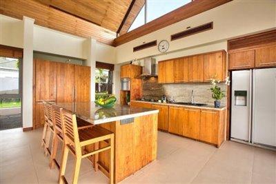 Baan-Grand-Vista-Villa-Ko-Samui-Kitchen