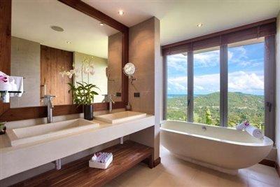Baan-Grand-Vista-Villa-Ko-Samui-Bathroom