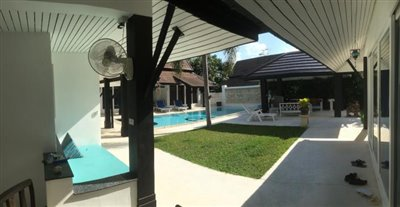 Chaweng-Bali-Style-Villa-Garden