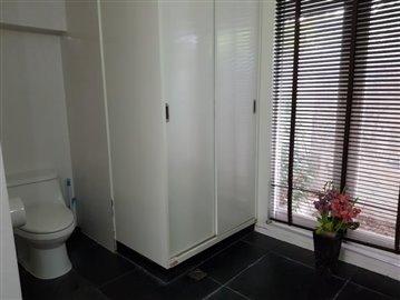 Chaweng-Bali-Style-Villa-Bathroom