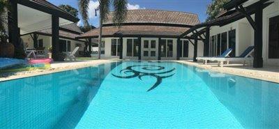 Chaweng-Bali-Style-Villa-Pool