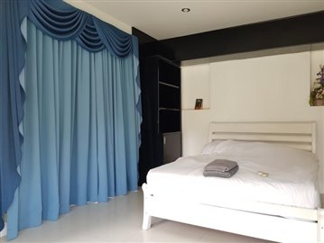 Chaweng-Bali-Style-Villa-Bedroom