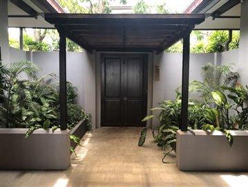Ko-Samui-Sea-View-Property-For-Sale-Courtyard