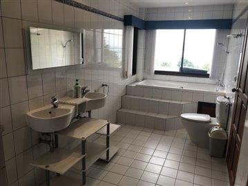Ko-Samui-Sea-View-Property-For-Sale-Bathroom-2