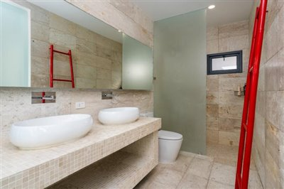 Modern-Bali-Style-Villa-Ko-Samui-Bathroom-3