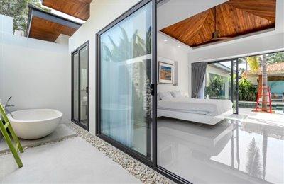 Modern-Bali-Style-Villa-Ko-Samui-Outdoor-Bathtub