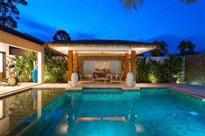 Modern-Bali-Style-Villa-Ko-Samui-Pool-Night