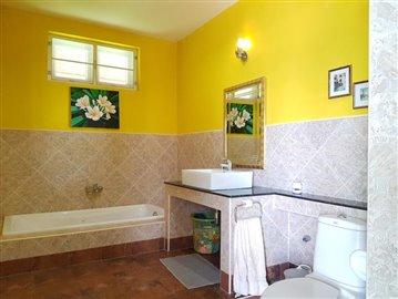 Villa-Picasso-Ko-Samui-Bathroom
