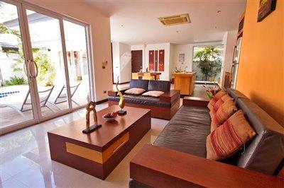 Beachside-Pool-Villa-Lipa-Noi-Living