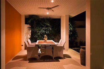 Beachside-Pool-Villa-Lipa-Noi-Sala-Night