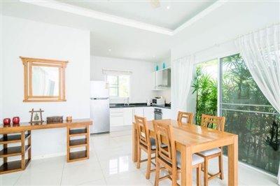 Horizon-Pool-Villa-Kitchen-Dining