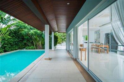 Horizon-Pool-Villa-Covered-Terrace