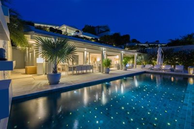Villa-Som-Beachfront-Property-Night-1