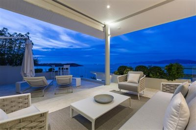 Villa-Som-Beachfront-Property-Bedroom-1-Terrace-Night