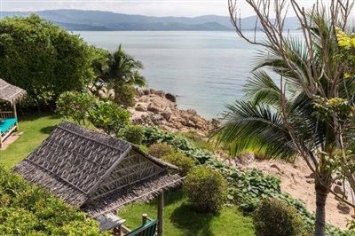 Villa-Som-Beachfront-Property-Garden-Area