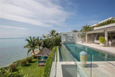 Villa-Som-Beachfront-Property-Garden